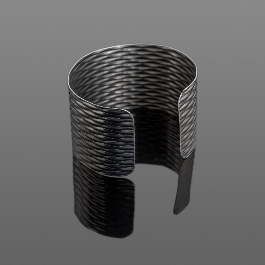 Lengva nerūdijančio plieno apyrankė su raštu 40 mm